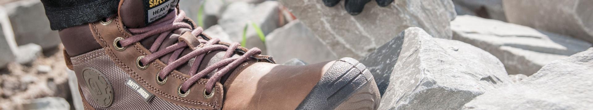 Chaussures sécurité et travail, sabots médicaux et cuisine, bottes bâtiment.